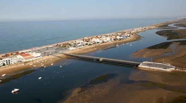 Moradores da Praia de Faro vão ter de abandonar as casas
