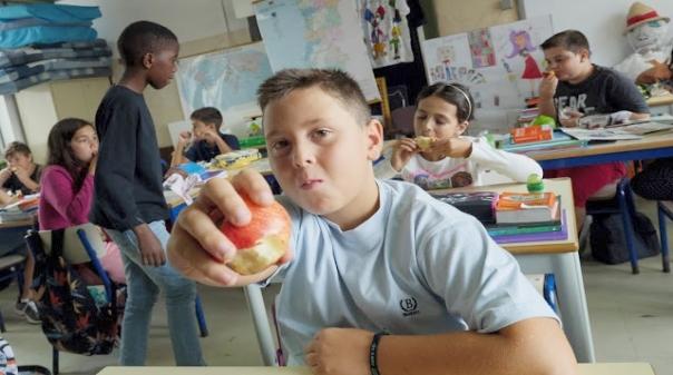 Resultado de imagem para 6 em cada 10 crianças portuguesas não ingerem fruta e legumes na quantidade certa