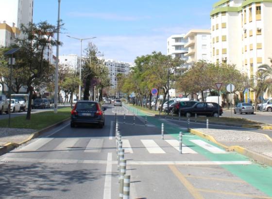 Populares intercetaram homem que furtou automóvel em Quarteira