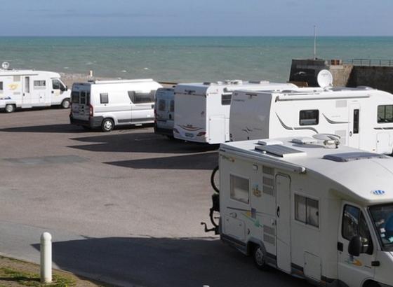 Pandemia trouxe mais autocaravanistas ao Algarve e RTA sensibiliza-os para espaços oficiais