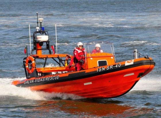 Treze pessoas feridas ligeiramente após embarcação se virar em Albufeira
