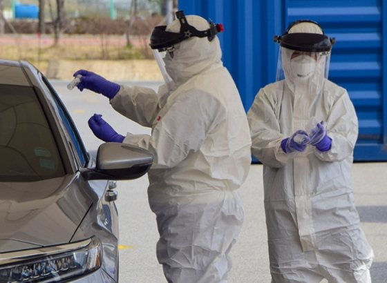 Hospital Particular do Algarve realiza testes à covid com drive thry em Portimão