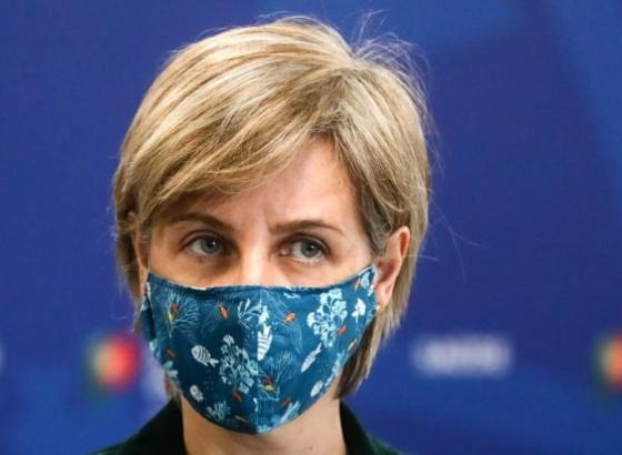 """Covid-19: Ministra da Saúde quer """"ganhar tempo"""" com vacinação para conter variante Delta"""