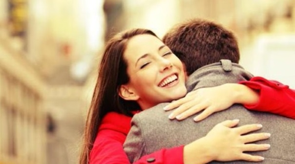 """Saúde e bem-estar:A poderosa  """"terapia do abraço"""""""