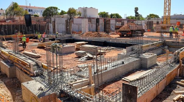 """Segue """"a bom ritmo"""" a construção da nova Escola EB1+JI da Luz"""