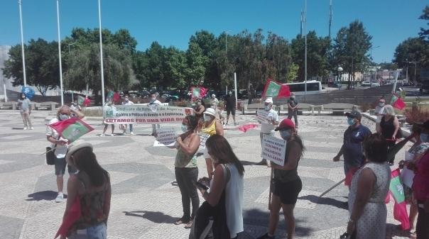 Trabalhadores do Vilanova Resort vão à Região de Turismo do Algarve para denunciar salários em atraso