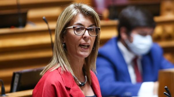 Deputada Célia Paz defende necessidade de promover o escoamento de pescado proveniente da pesca local e costeira