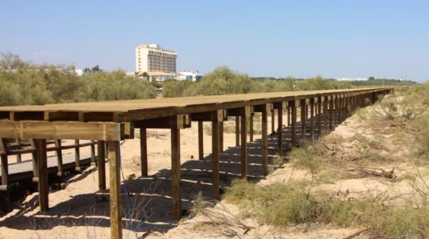 Já começaram as obras do passadiço da Praia de Altura com cerca de 1500 metros