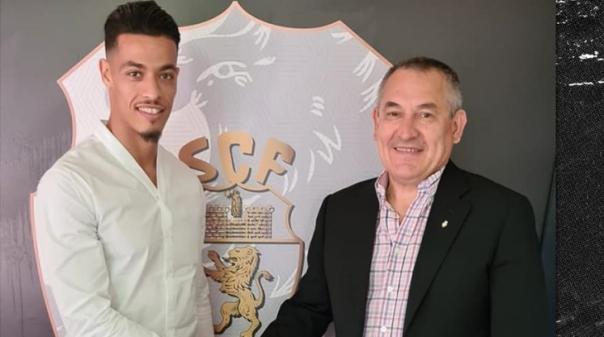 Médio Amine é o primeiro reforço do Farense no retorno à I Liga