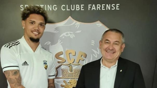 Avançado brasileiro ex-Benfica reforça Farense