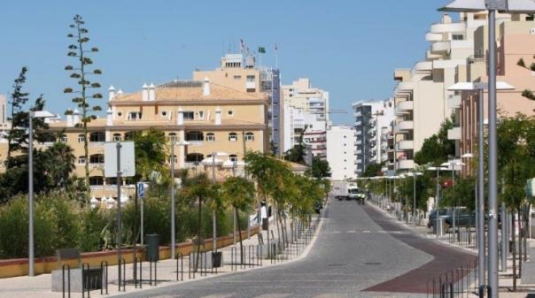 Portimão vai instalar 61 câmaras de videovigilância na Praia da Rocha e nos acessos à cidade