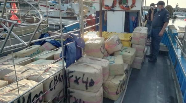 Apreendidos 133 fardos com mais de 4500 quilos de droga no porto de pesca de Quarteira