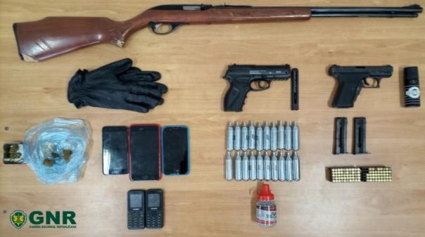 Detido em Almancil por posse de arma proibida e tráfico de estupefacientes
