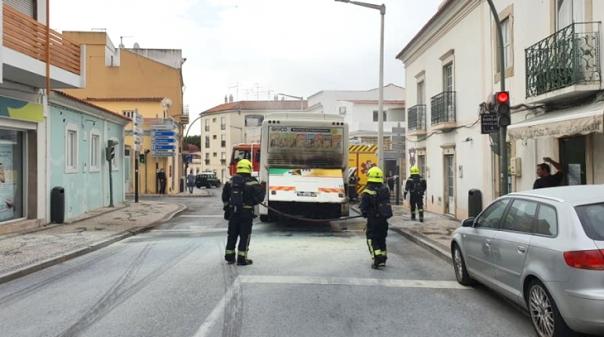 Autocarro incendiou-se em Loulé