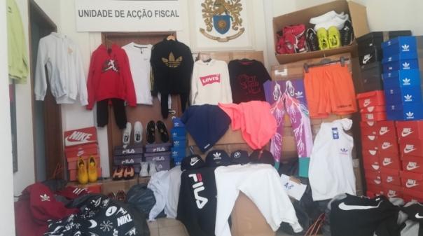 GNR apreende vestuário e calçado contrafeito num estabelecimento de Olhão
