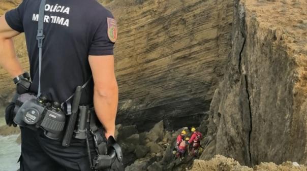 Surfista preso numa zona de falésia em Aljezur não necessitou de assistência médica