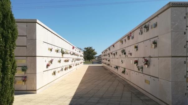 Covid.19:Cemitérios de Faro limitados a 50 pessoas