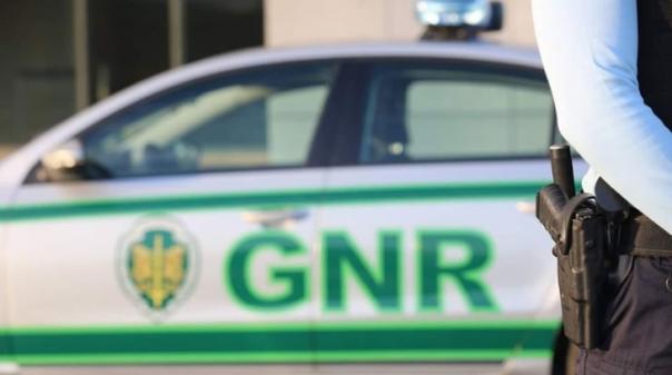 Homem de 55 anos detido por violência doméstica em Quarteira