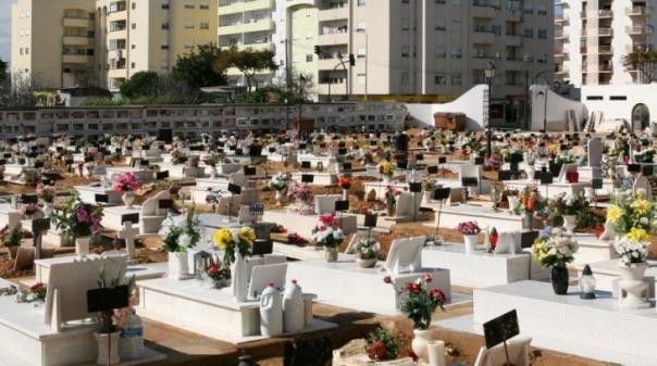 Cemitério Municipal de Portimão terá portões abertos até às 22h00