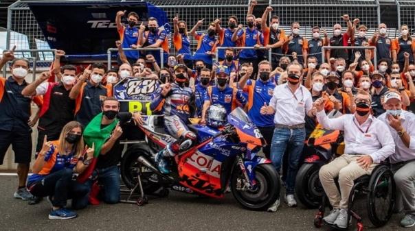 MotoGP/Portugal: Miguel Oliveira conquista primeira 'pole position' em MotoGP