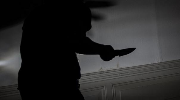 Assaltante fere mulher com «faca de cozinha» em troca de tabaco em Armação de Pêra
