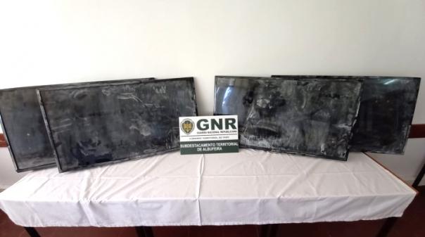GNR recupera televisores furtados em unidade hoteleira na Guia