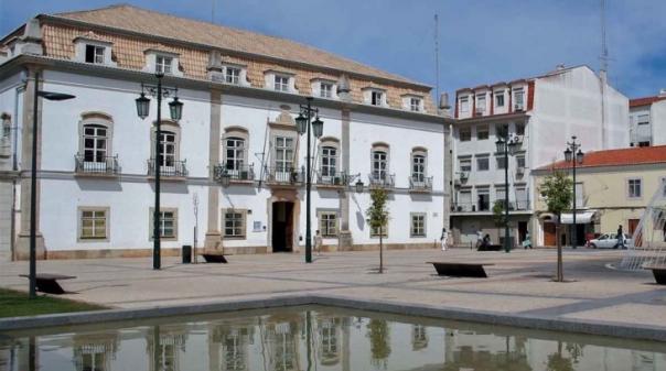 Isilda Gomes apresenta proposta de redução do IMI