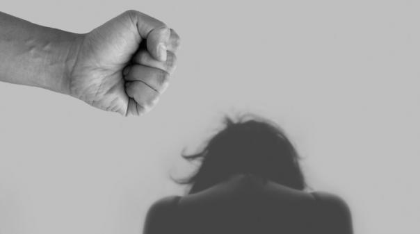 O que precisa(s) de saber sobre a violência no namoro