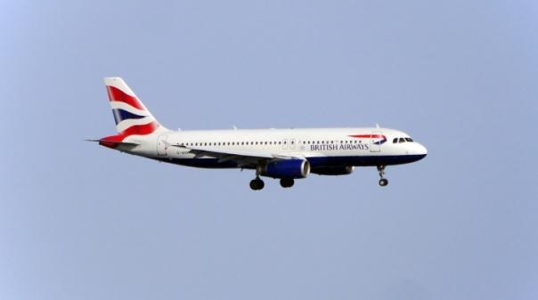 Covid-19: Bloqueio britânico de viagens de Portugal inclui Madeira e Açores