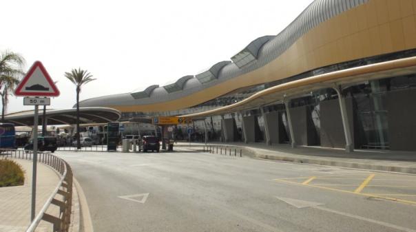 Presidenciais: Mayan foi ao aeroporto de Faro mostrar que a TAP abandonou o país