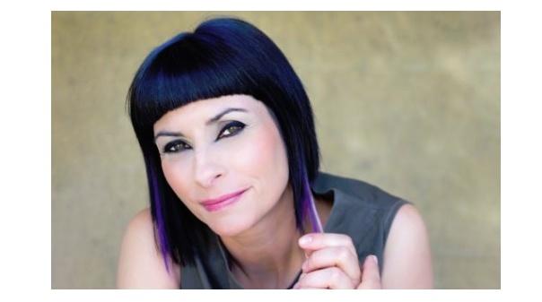Viviane compõe música para o Festival da Canção 2021