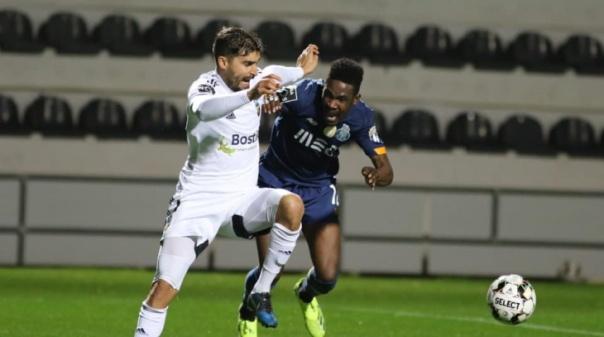 FC Porto vence em Faro com golo de Taremi