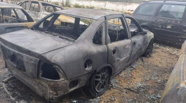 Queimada descontrolada consumiu cinco viaturas em Olhão