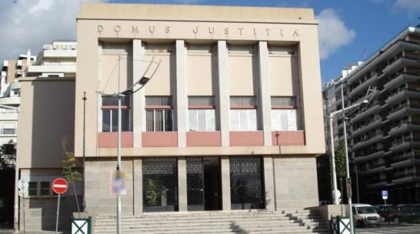 Suspeito de matar jovem à porta de discoteca em Boliqueime conhece hoje decisão do tribunal