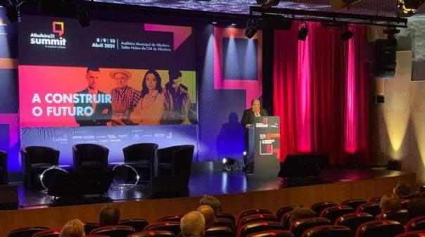 """""""Albufeira 21 Summit"""" destacou no primeiro dia a importância da criação de redes e meios digitais"""