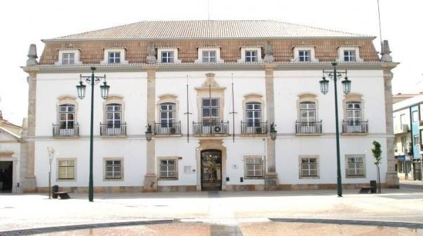 Covid-19: Câmara de Portimão prolonga medidas de apoio a famílias e empresas
