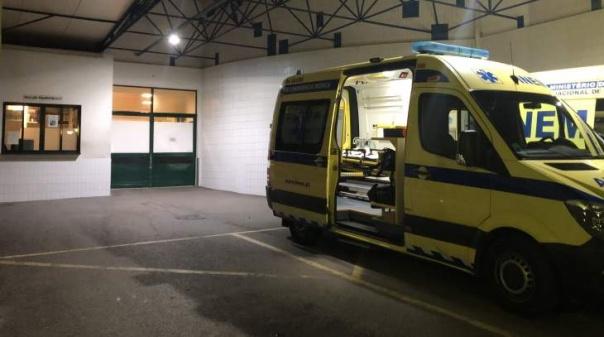 EN 526 cortada após colisão que resultou em ferido grave em Albufeira