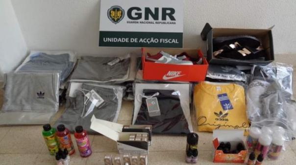 GNR apreende cargas de cigarros eletrónicos e artigos contrafeitos nos concelhos de Silves e Loulé