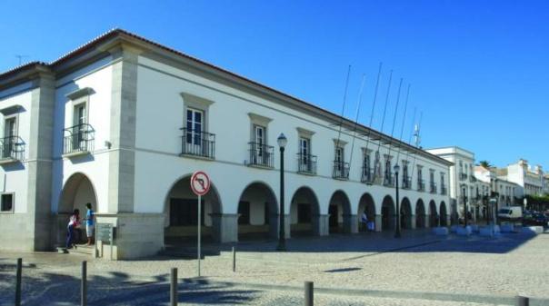 Autarquia de Tavira atribui subsídios a 31 associações culturais e recreativas