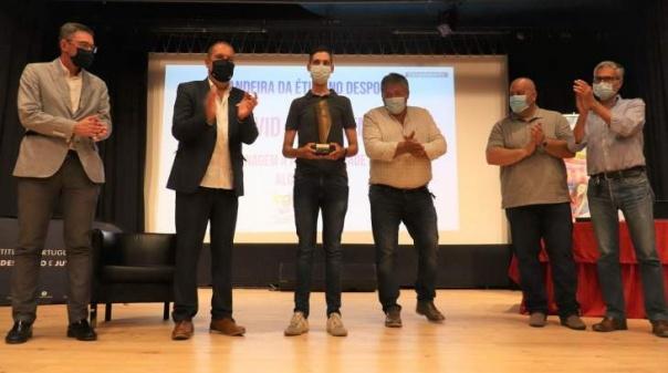 IPDJ Algarve homenageou clubes desportivos, personalidades e entidades com a Bandeira da Ética
