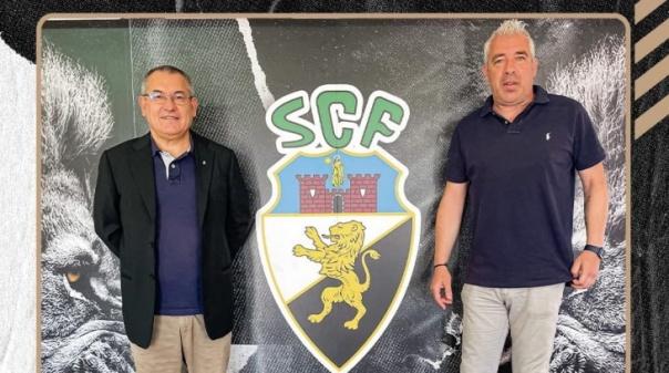 Farense renova com o treinador Jorge Costa