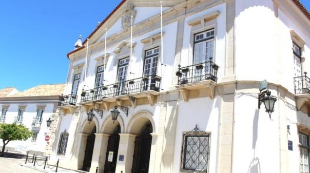 Autárquicas/Faro: Cinco candidatos na corrida em que único 'repetente' é o atual presidente