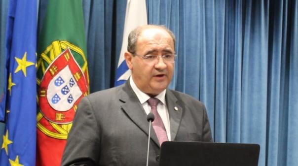 Autárquicas/Faro: Rogério Bacalhau, o professor que vai tentar 'segurar' a Câmara de Faro
