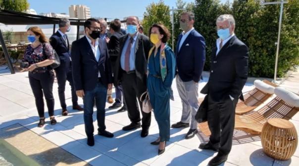 Secretária de Estado do Turismo visitou primeiro hotel de 5 estrelas de Faro