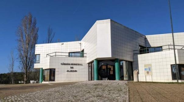 Câmaras de Aljezur e de Odemira criticam corte «injusto» de água a pequenos consumidores
