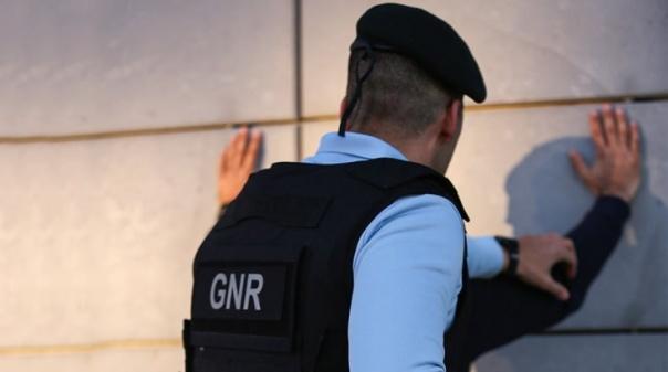 Viatura furtada em Lagos recuperada em Almancil com dois detidos