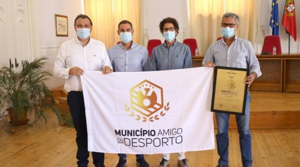 """Tavira recebeu galardão """"Município Amigo do Desporto 2021"""""""