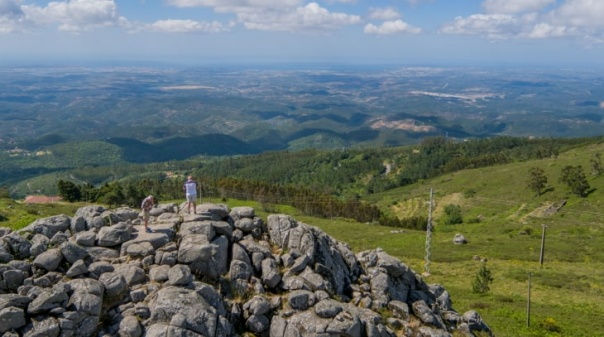 Turismo do Algarve promove destino junto de viajantes que preferem visitar região fora da época alta