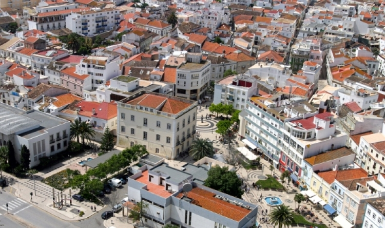 Município de Lagos prevê construir mais de uma centena de habitações a custos controlados