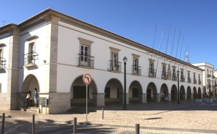 Autárquicas: Movimento de cidadãos promove debate com candidatos à Câmara de Tavira